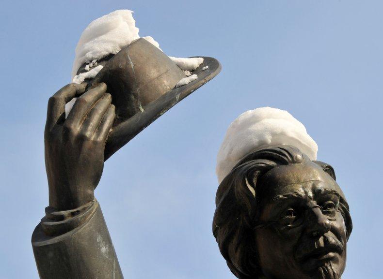 ukraine sholem aleichem swastika vandalism