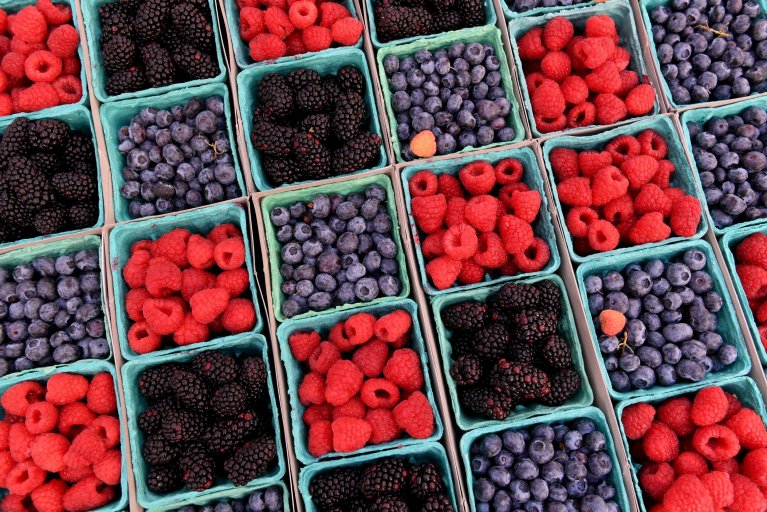 US-COMMERCE-FRUITS-BERRIES