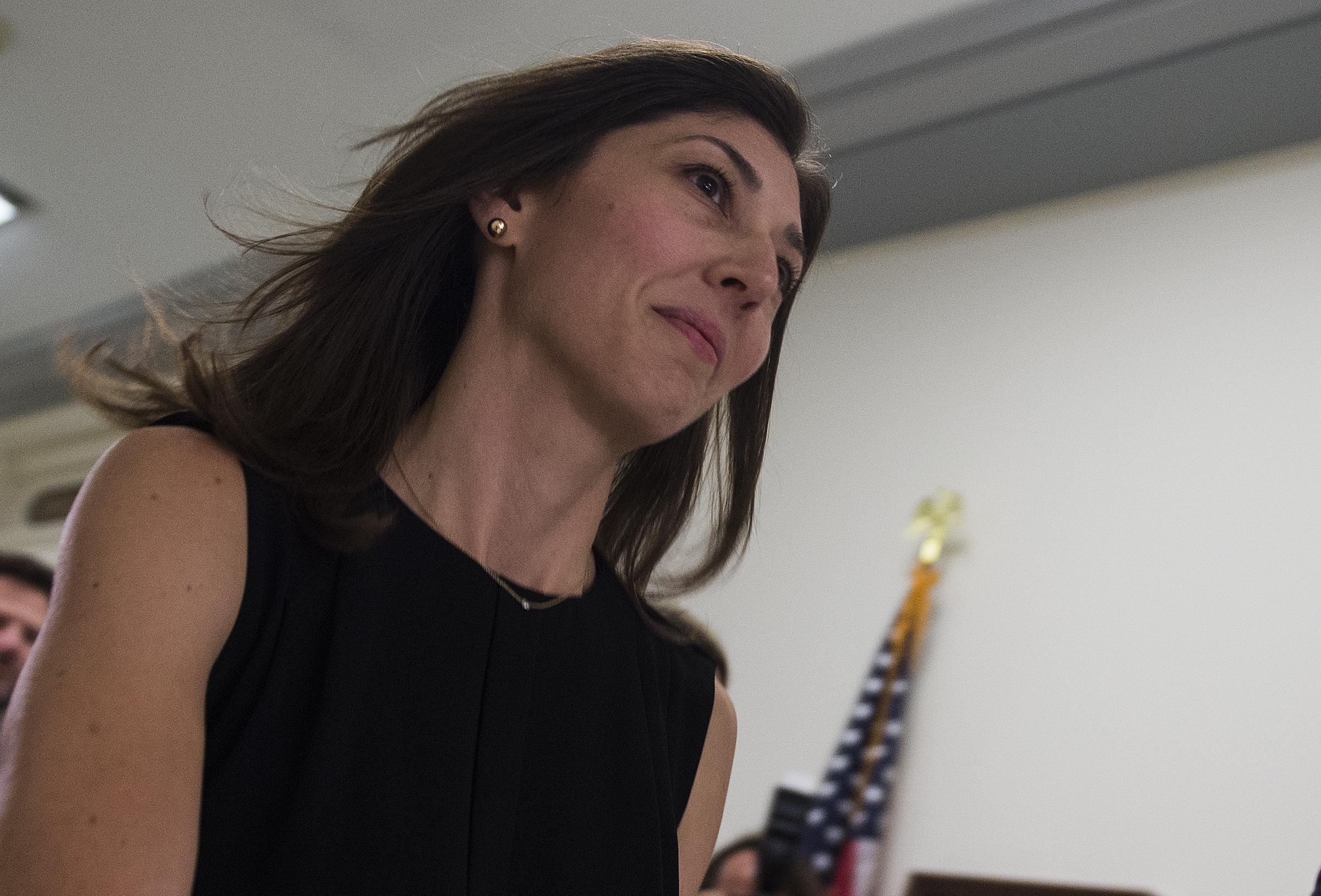 Agent Fake trump's 'demeaning fake orgasm' prompts ex-fbi agent lisa