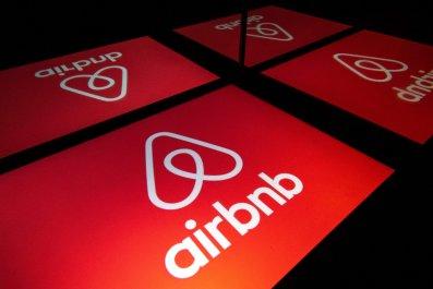 airbnb logo 2019