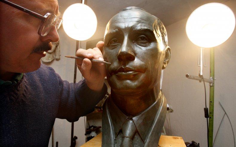 Vladimir Putin bust 2009
