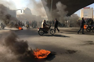 Iran, protests, fuel, anti-government, unrest, Isfahan, democracy