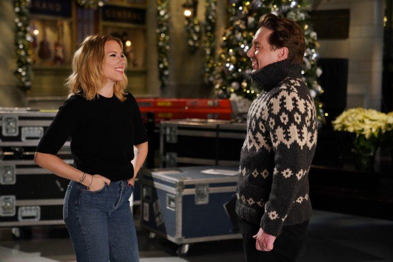 Watch Scarlett Johansson Host 'Saturday Night Live'