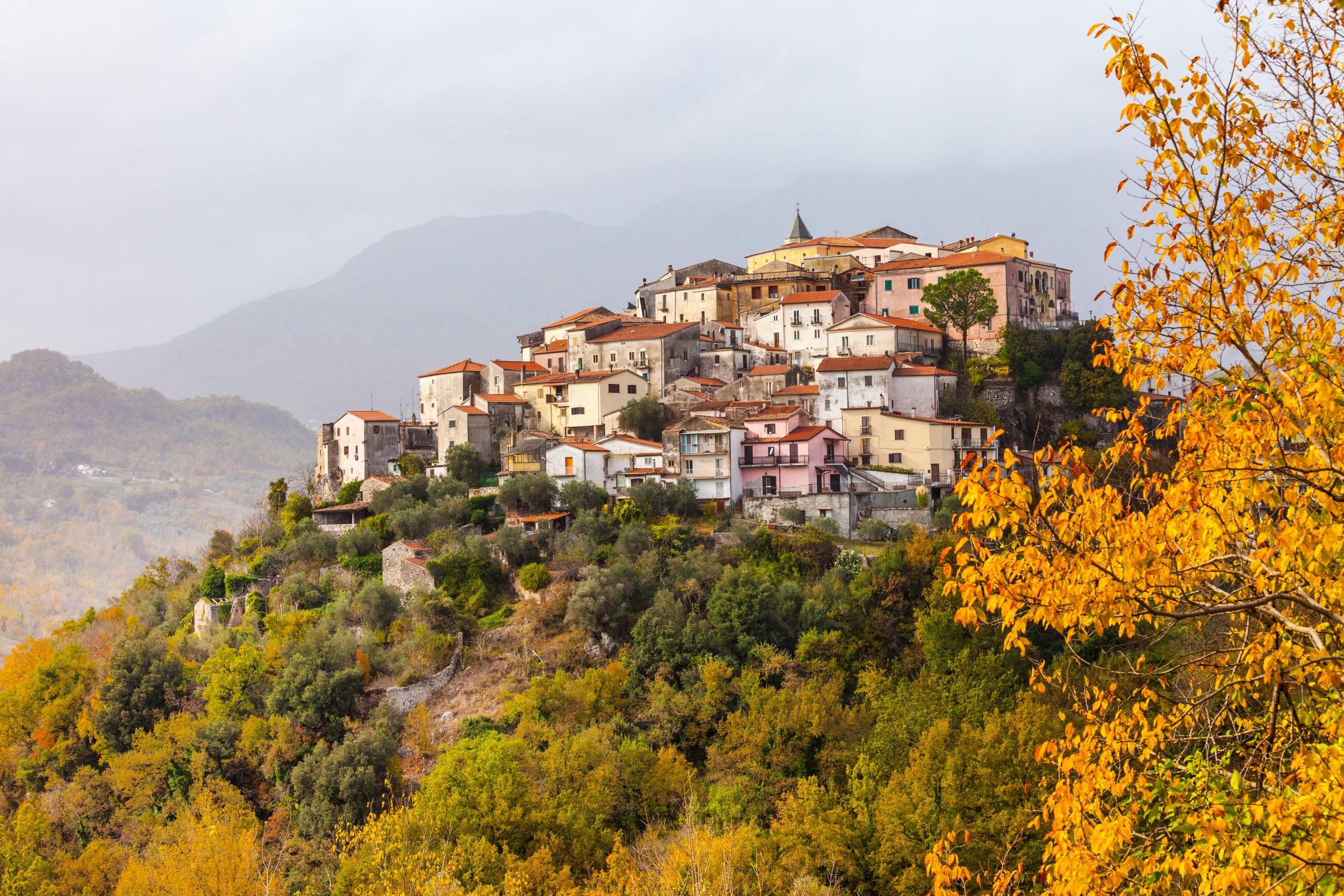 Hero pic italian hill towns