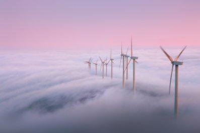 windturbines-fog