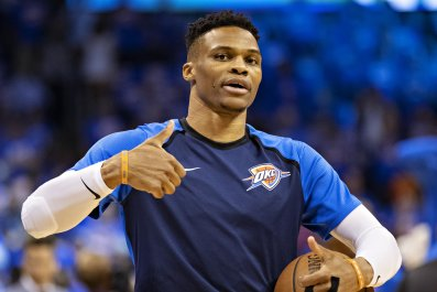 Russell Westbrook warms up before game