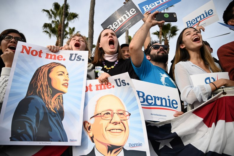 Young People Rally for Sanders in California