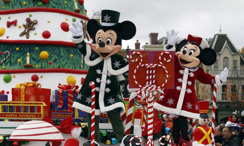 Everything to Know About Disney Parks 2019 Magical Christmas Day Parade