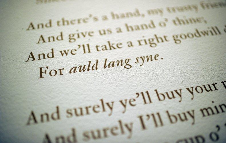 auld lang syne lyrics meaning new year's