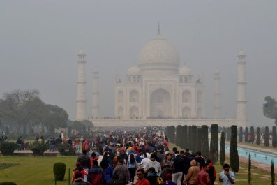 INDIA-TOURISM-POLLUTION-AIR