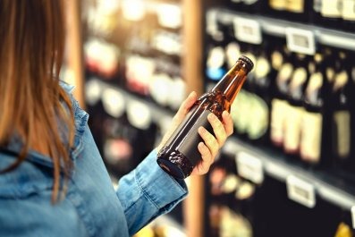 alcohol liquor stores open hours