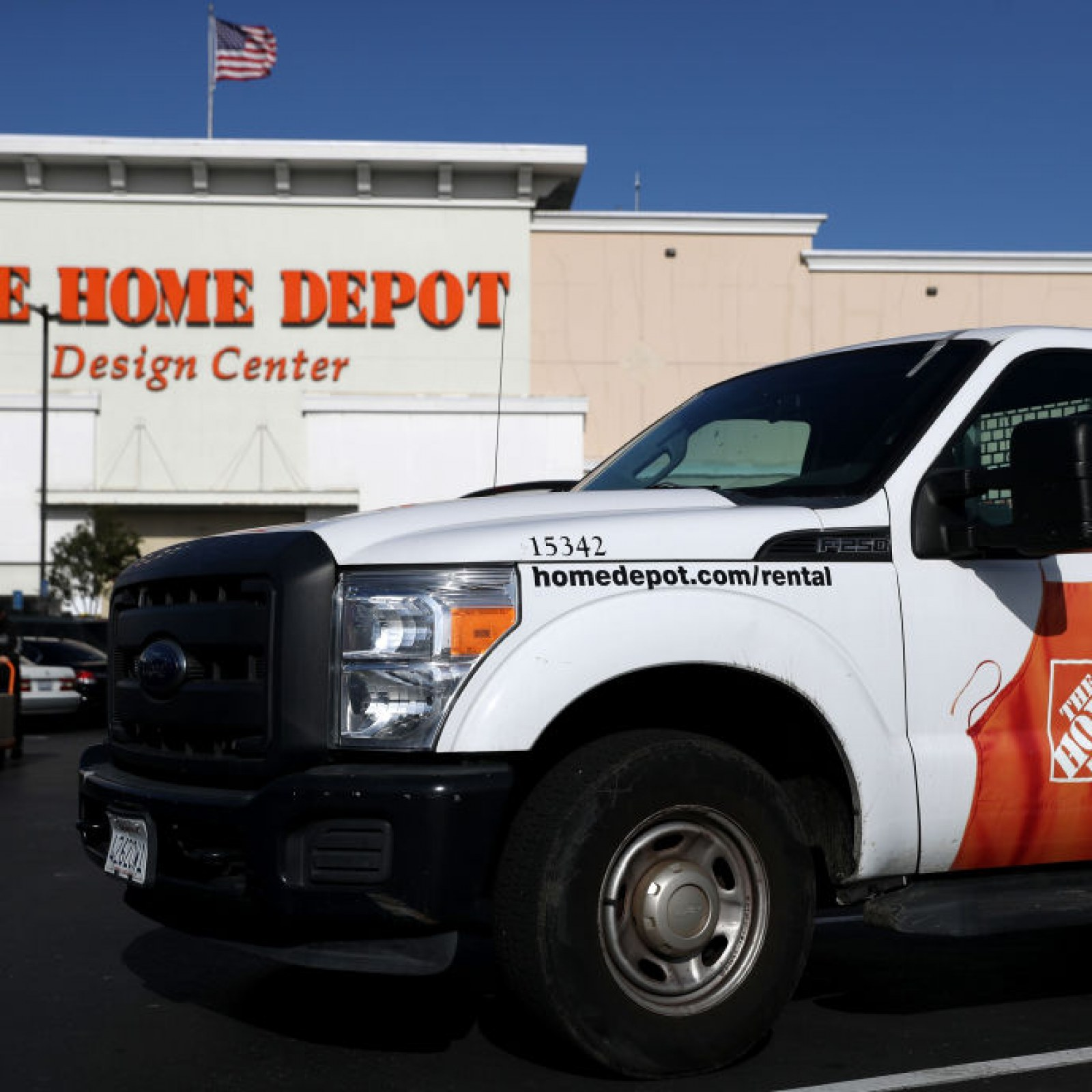 Woman Receives Profane Note From Home Depot Delivery Driver