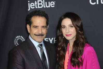 'Marvelous Mrs. Maisel' Stars Tony Shalhoub and Marin Hinkle on What Makes the Show a Hit