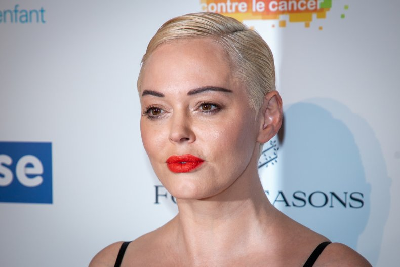 Rose McGowan Faces Harsh Criticism After Apologizing to Iran on Twitter
