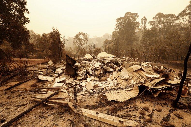 wildfire australia pictures destruction