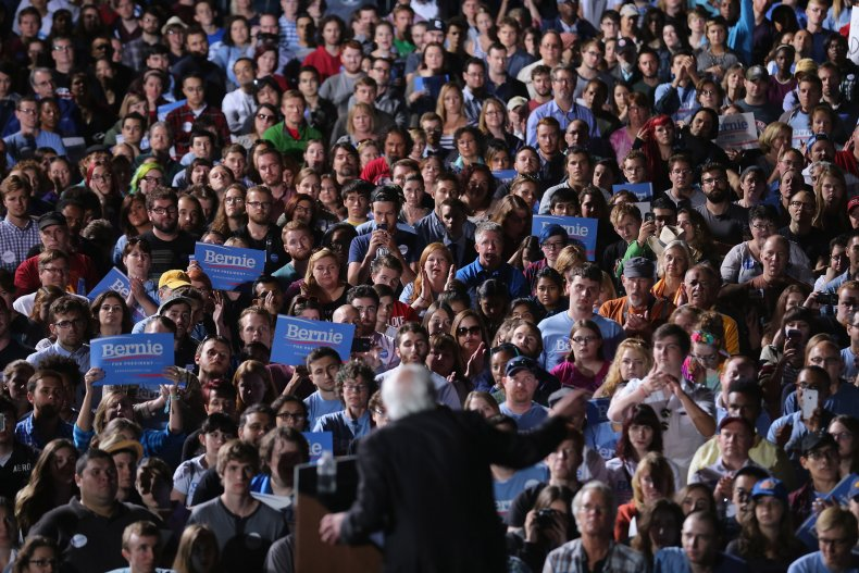 bernie sanders college students poll