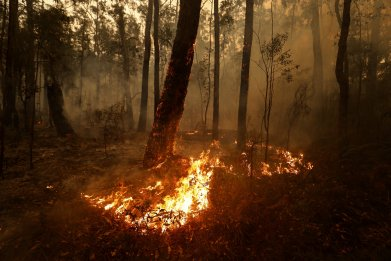 australia wildfires misinformation photos maps