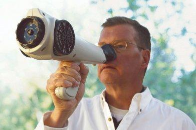 Man using the Nasal Ranger