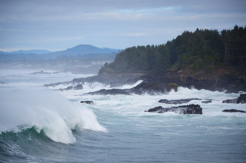 Stock: Crashing Waves on the Oregon Coast