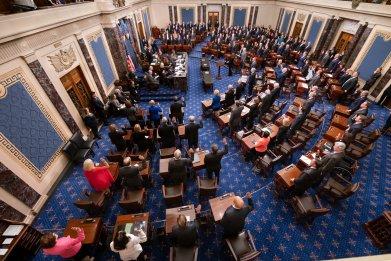 Senators sworn in trump impeachment trial