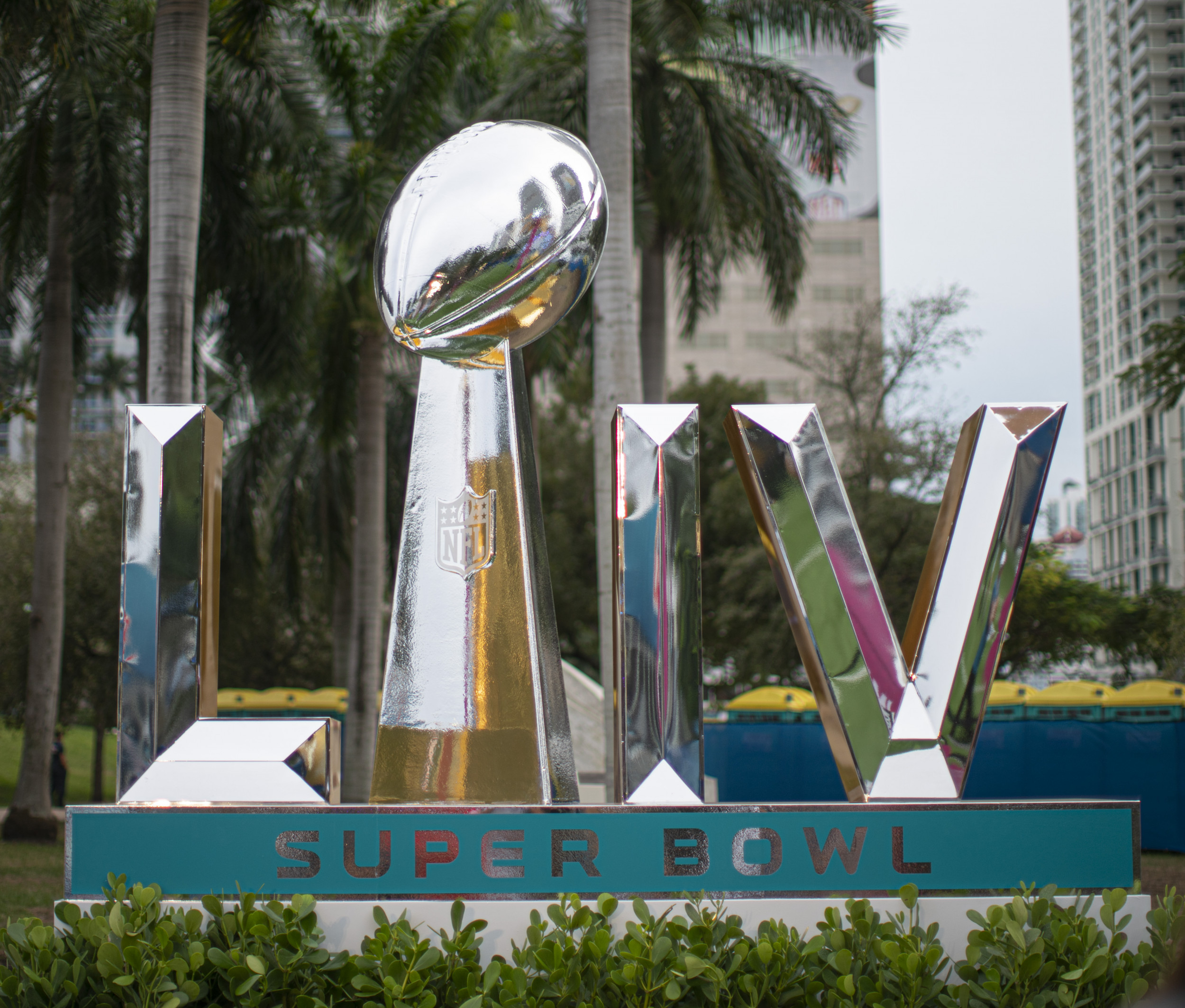 20 Numbers That Define The 2020 Super Bowl Chicken Wings J Lo Patrick Mahomes And More