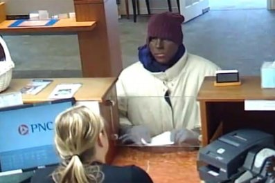 Man robs bank in blackface