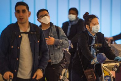 Los Angeles airport passengers masks coronavirus