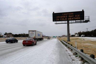 Dallas Texas snow on bridge February 2011