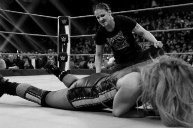 shayna baszler attacks becky lynch wwe raw