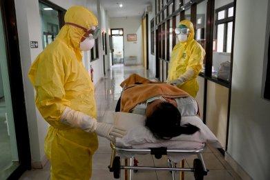 coronavirus case, protective clothing, Indonesia