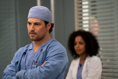 Watch DeLuca Struggle to Save Patient on 'Grey's Anatomy' Season 16