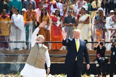 Trump India visit crowd sizes