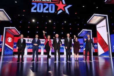 dem debate group shot