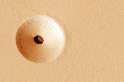 Pavonis Mons hole, Mars