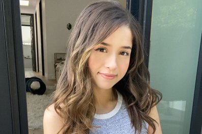 pokimane twitch deal exclusive stream streaming