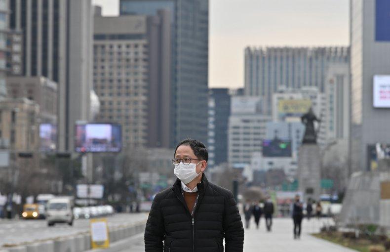 south korea coronavirus recoveries outnumber new cases
