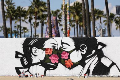 Venice beach, California, virus mask, March 2020