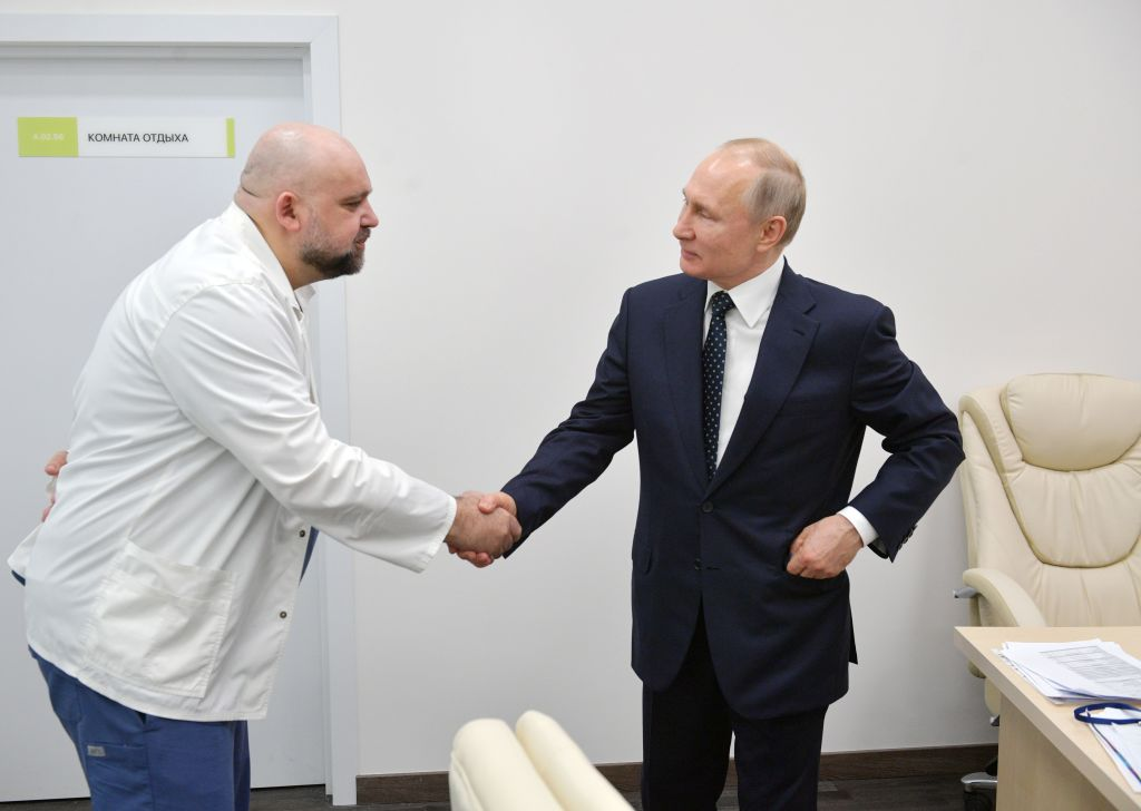 Russian Doctor Who Shook Hands With Vladimir Putin Last Week Tests Positive for Coronavirus