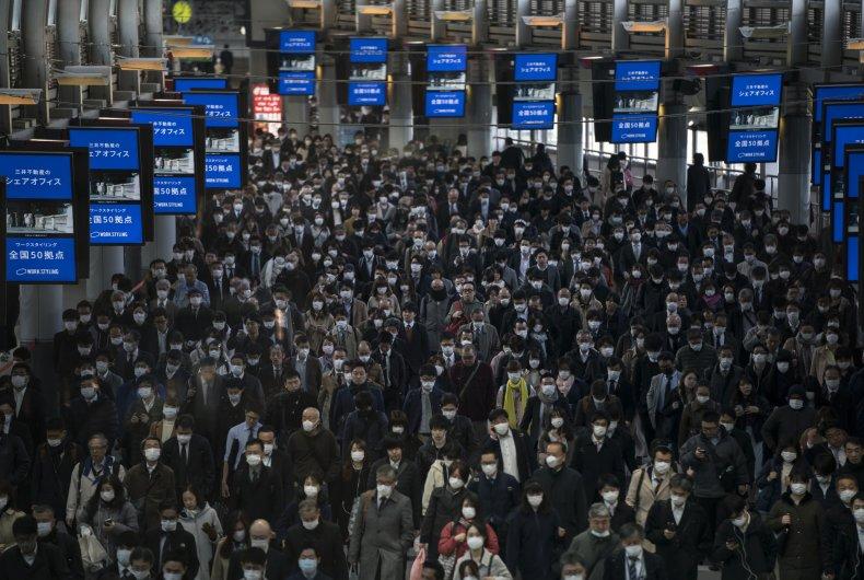 Commuters, masks, March 26, 2020 Tokyo, Japan