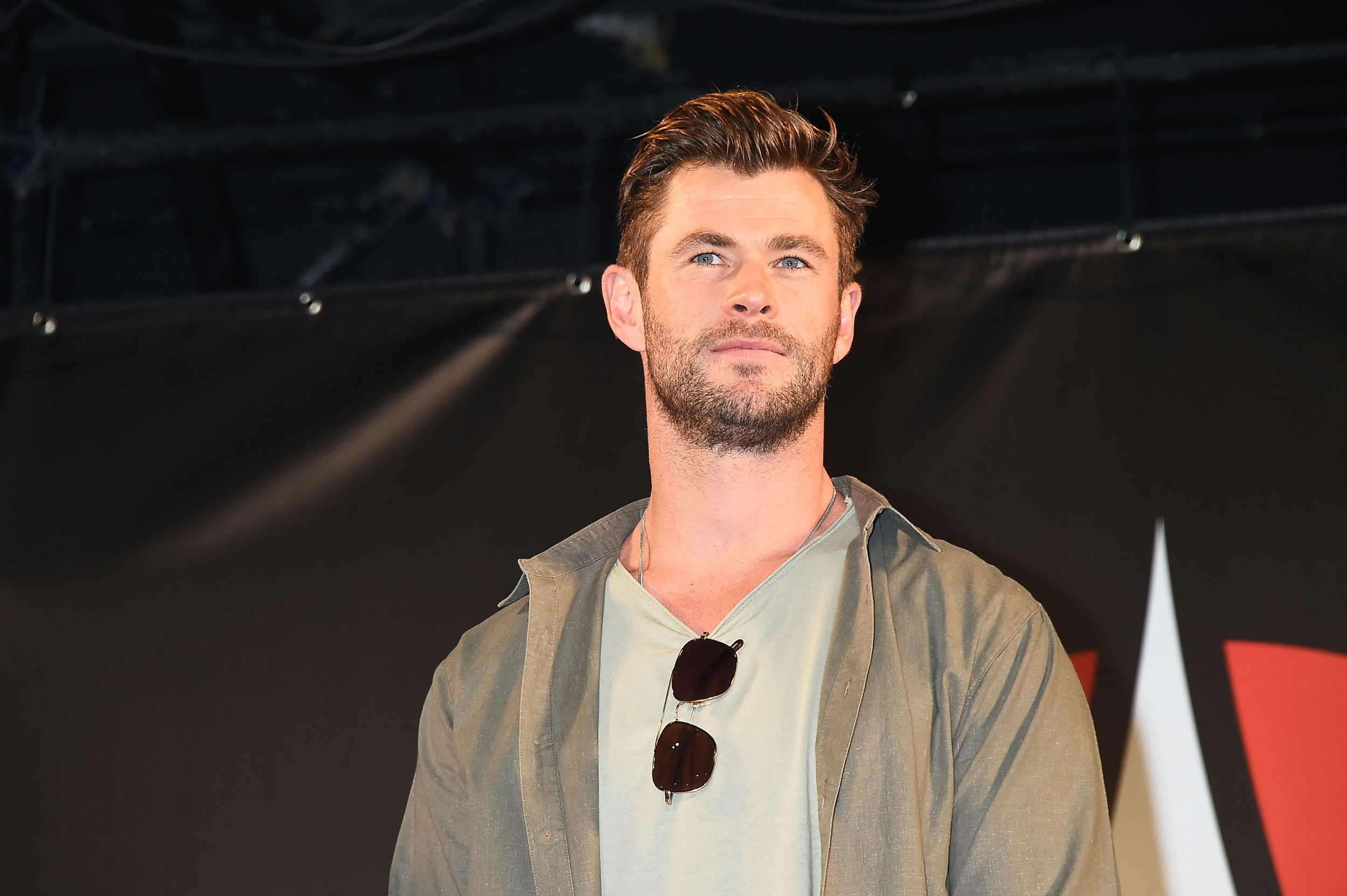 Chris Hemsworth S Extraction Is Coming To Netflix To Entertain The Heck Out Of You