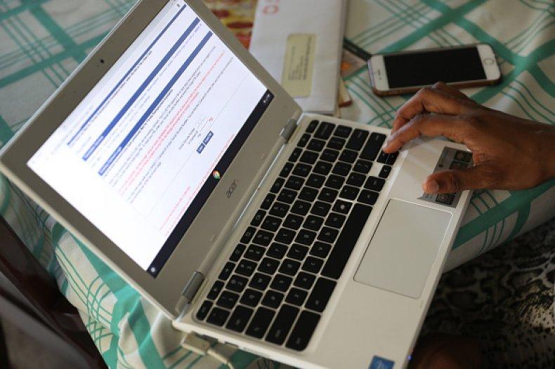 filing for unemployment amid coronavirus outbreak