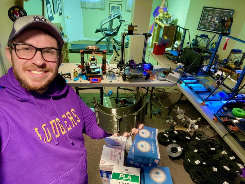 How college student 3D printer battling coronavirus