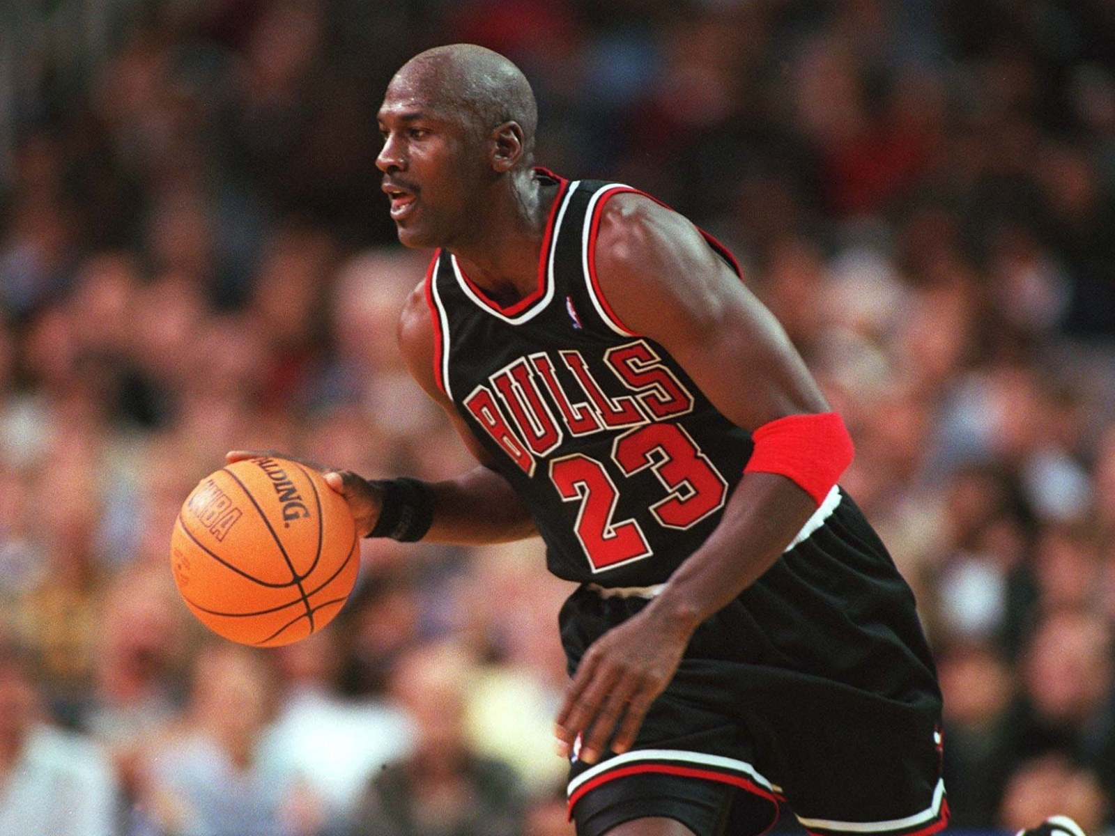 Descomponer articulo Mecánicamente  Michael Jordan Skipped White House Visit to Play Golf With Man Later  Convicted For Money Laundering, 'The Last Dance' Reveals