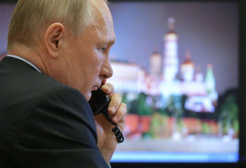 Vladimir Putin, Russia, coronavirus, pandemic, paralyzed, COVID-19