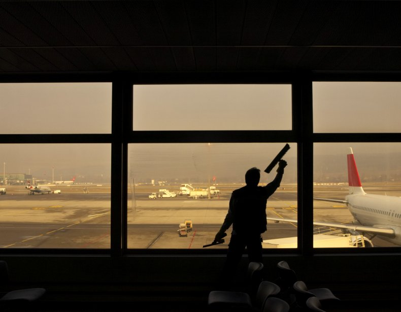 Airport Window Cleaner