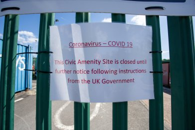 Coronavirus closure sign in U.K.