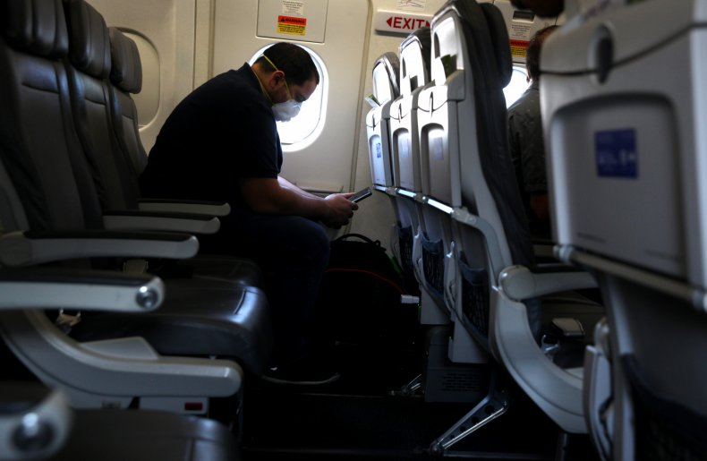 airlines middle seat booking space