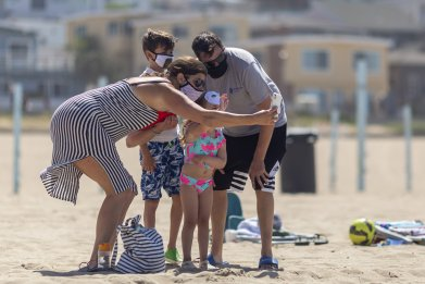 Manhattan Beach, California family photo
