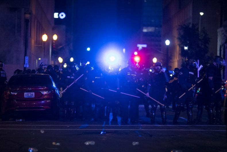 louisville, protests
