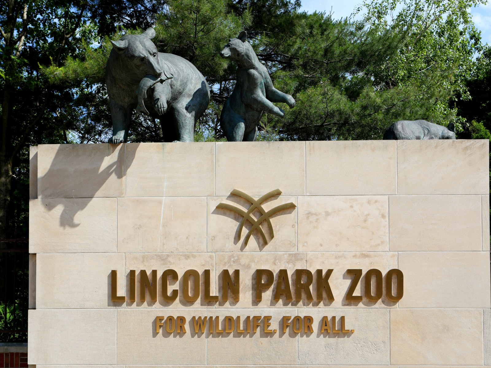 Chicago S Lincoln Park Zoo Was Not Looted And There Are No Hippos On Lake Shore Drive
